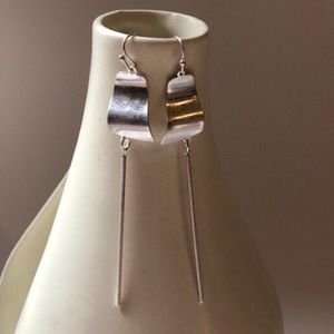 Jewelry - Curvy disc with cylinder bar silver